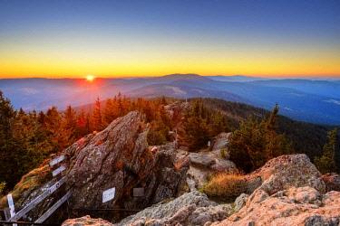 IBXMAN04630804 Sunrise, Grosser Osser near Lam, Kunisches Gebirge, Bavarian Forest, Upper Palatinate, Bavaria, Germany, Europe