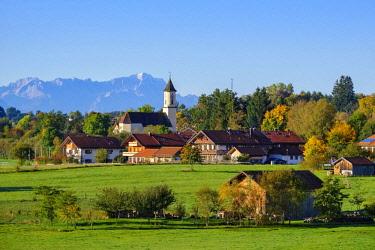 IBXMAN04633043 Deining near Egling with Zugspitze, Alpine foothills, Upper Bavaria, Bavaria, Germany, Europe