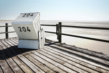 IBXRWI04633324 Beach chair, Sankt Peter-Ording, North Frisia, Schleswig-Holstein, Germany, Europe