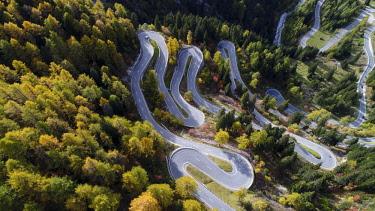 IBXSZM04593525 Serpentines at the Maloja Pass, Val Bregaglia, Engadine, Grisons, Switzerland, Europe