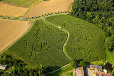IBLBLO04320306 Aerial view, labyrinth in Mausfeld, Lunen, agriculture, Ruhr district, North Rhine-Westphalia, Germany, Europe