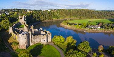 UK08281 United Kingdom, Wales, Gwent, Chepstow Castle, River Wye