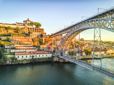 IBXJAS04599543 Steel bridge Dom Luis I to Vila Nova de Gaia, Porto, Portugal, Europe