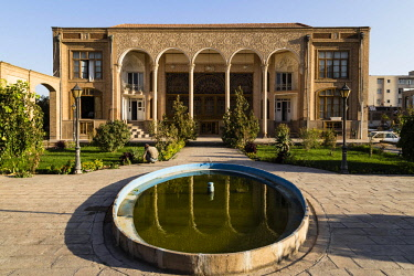 IBXOYO04600406 Architecture Faculty, Islamic Arts University, Tabriz, Iran, Asia