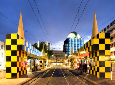 IBXRBB04578166 Tram stop Steintor, artist Alessandro Mendini, rear Anzeiger high-rise, evening twilight, Hannover, Lower Saxony, Germany, Europe