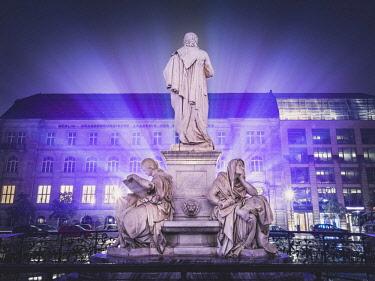 IBXRBE04535020 Schiller Memorial, Gendarmenmarkt , Berlin, Deutschland