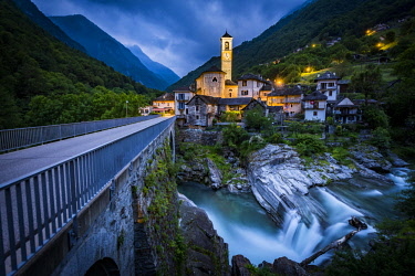 IBXSEI04583139 Local view with river Verzasca, twilight, Lavertezzo, Ticino, Switzerland, Europe