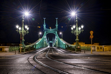IBXSEI04640211 Freiheitsbrücke by night, Budapest, Hungary, Europe