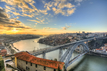 IBXMMW04387047 View over Porto with Ponte Dom Luís I Bridge across River Douro, sunset, Porto, Portugal, Europe