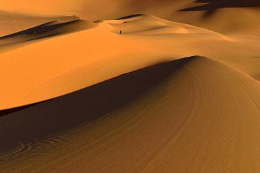 IBXEST04352555 Sanddunes at Moul Naga, Tadrart, Tassili n'Ajjer National Park, Unesco World Heritage Site, Sahara desert, Algeria, Africa