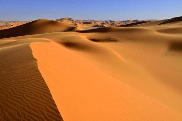 IBXEST04389712 Sand dunes of In Tehak, Tadrart, Tassili n'Ajjer National Park, UNESCO World Heritage Site, Sahara desert, Algeria, Africa