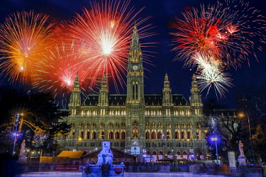 IBLAMT04490040 Fireworks over City Hall, New Year's Eve, Vienna, Austria, Europe