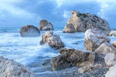 CLKAB84860 Cyprus, Paphos, Petra tou Romiou also known as Aphrodite�Äôs Rock at dawn