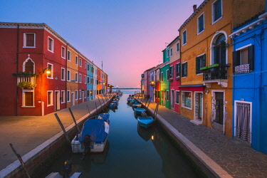 CLKFV84176 Canal and colorful houses in the evening on Burano Island, Venice, Italy