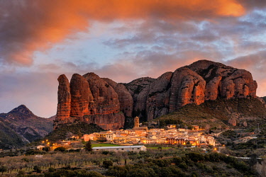 CLKAC86442 Aguero village with Mallets of Aguero at sunrise. Aguero, province of Huesca, Aragon, Spain