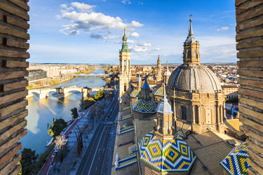 CLKAC86473 Elevated view of the Cathedral of Our Lady of the Pillar. Zaragoza, Aragon, Spain