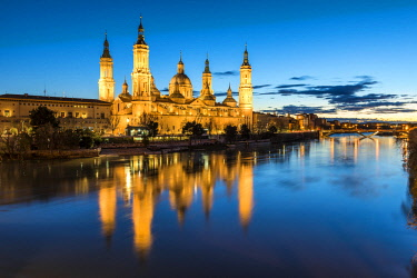 CLKAC86487 Cathedral of Our Lady of the Pillar at dusk. Zaragoza, Aragon, Spain