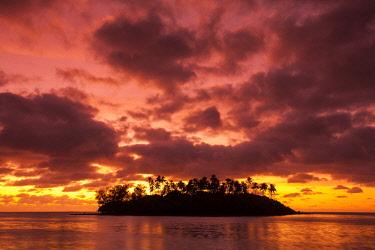 CI01033 Cook Islands, Rarotonga, Muri Beach
