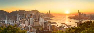 CH11605AW Skyline of Hong Kong Island and Kowloon at sunset, Hong Kong