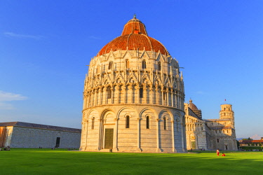 ITA12903AWRF Baptistery, Cathedral and Leaning Tower, Campo dei Miracoli, Pisa, Tuscany, Italy, Europe