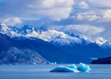 ARG2741AW Icebergs on Lake Argentino, Los Glaciares National Park, Santa Cruz Province, Patagonia, Argentina