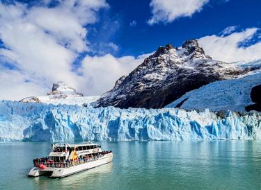ARG2751AW Cruise Ship in front of the Spegazzini Glacier, Los Glaciares National Park, Santa Cruz Province, Patagonia, Argentina