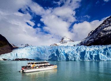 ARG2752AW Cruise Ship in front of the Spegazzini Glacier, Los Glaciares National Park, Santa Cruz Province, Patagonia, Argentina