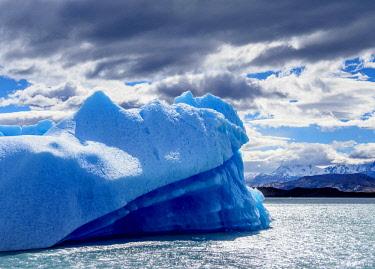 ARG2760AW Iceberg on Lake Argentino, Los Glaciares National Park, Santa Cruz Province, Patagonia, Argentina
