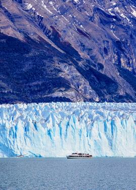 ARG2765AW Perito Moreno Glacier, Los Glaciares National Park, Santa Cruz Province, Patagonia, Argentina