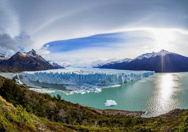 ARG2773AW Perito Moreno Glacier, elevated view, Los Glaciares National Park, Santa Cruz Province, Patagonia, Argentina