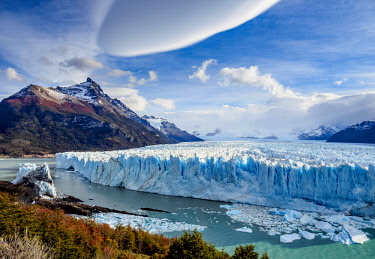 ARG2777AW Perito Moreno Glacier, elevated view, Los Glaciares National Park, Santa Cruz Province, Patagonia, Argentina