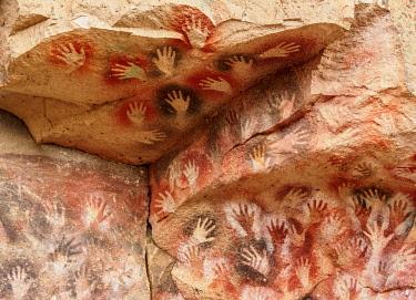 ARG2802AW Cueva de las Manos, UNESCO World Heritage Site, Rio Pinturas Canyon, Santa Cruz Province, Patagonia, Argentina
