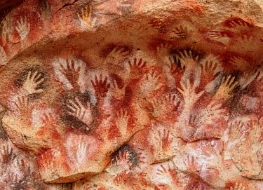 ARG2803AW Cueva de las Manos, UNESCO World Heritage Site, Rio Pinturas Canyon, Santa Cruz Province, Patagonia, Argentina