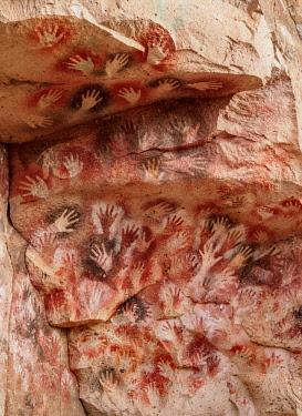 ARG2816AW Cueva de las Manos, UNESCO World Heritage Site, Rio Pinturas Canyon, Santa Cruz Province, Patagonia, Argentina