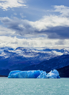 ARG3060AWRF Iceberg on Lake Argentino, Los Glaciares National Park, Santa Cruz Province, Patagonia, Argentina
