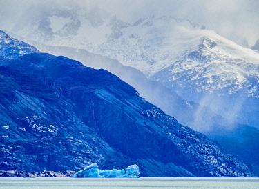 ARG3061AWRF Iceberg on Lake Argentino, Los Glaciares National Park, Santa Cruz Province, Patagonia, Argentina