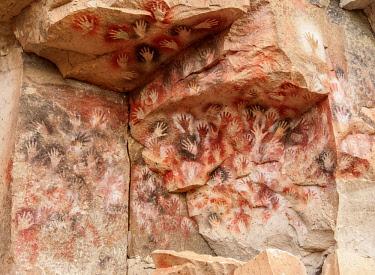 ARG3079AWRF Cueva de las Manos, UNESCO World Heritage Site, Rio Pinturas Canyon, Santa Cruz Province, Patagonia, Argentina