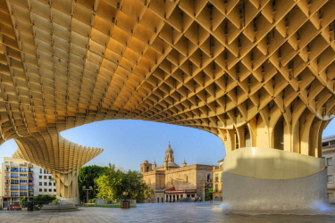 SPA7956AW Metropol Parasol with Iglesia de la Anunciacion, Sevilla, Andalusia, Spain
