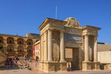 SPA8004AW Puerta del Puente, Cordoba, Andalusia, Spain