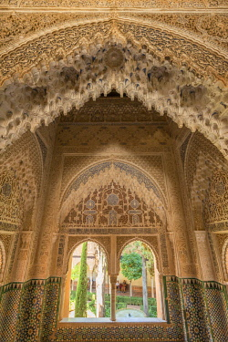 SPA8030AW Window at the Nasrid Palace, Alhambra, UNESCO World Heritage Site, Granada, Andalusia, Spain