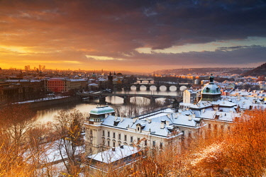 CZE1854 Europe, Czech Republic, Prague, Historic Old Town Center, Unesco World Heritage Site, bridges crossing the Vltava River at sunrise