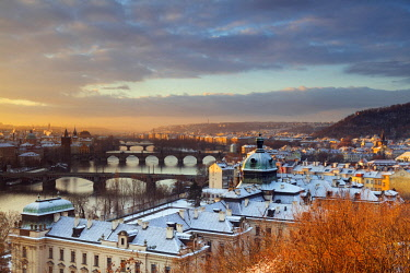 CZE1856 Europe, Czech Republic, Prague, Historic Old Town Center, Unesco World Heritage Site, bridges crossing the Vltava River at sunrise