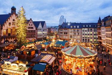 GER10884 Europe, Germany, Hessen, Frankfurt Am Main, Christmas market in the Altstadt, Old Town Romerplatz