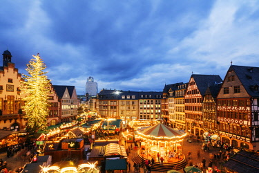 GER10885 Europe, Germany, Hessen, Frankfurt Am Main, Christmas market in the Altstadt, Old Town Romerplatz