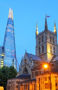 ENG15595 Europe, United Kingdom, England, London, The Shard designed by Renzo Piano and Southwark Cathedral