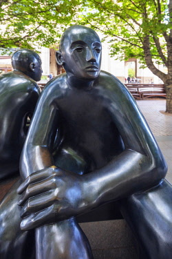 ENG15616 Europe, United Kingdom, England, London, Canary Wharf, Two Men on a Bench (1995) statue by Giles Penny