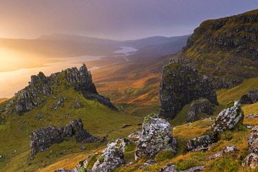 SCO35262AW Dramatic outcrops near the Old Man of Storr on the Isle of Skye, Scotland. Autumn (November) 2017.