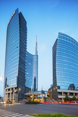 ITA12961RF Europe, Italy, Lombardy, Milan, Puorta Nuova business and commercial district, Unicredit Tower