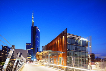 ITA12980 Europe, Italy, Lombardy, Milan, Puorta Nuova business and commercial district