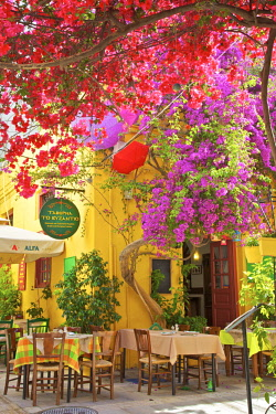 GR06442 Restaurant in the Old Town of Nafplio, Argolis, The Peloponnese, Greece, Southern Europe
